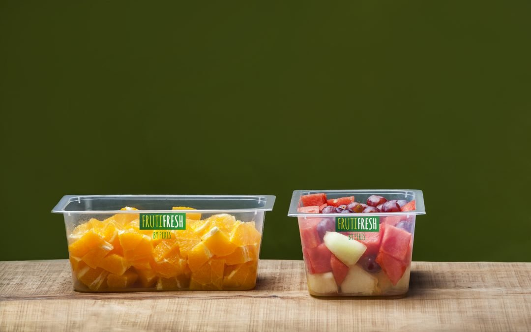 Fruta cortada y envasada